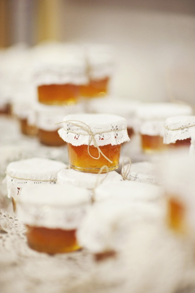 jam favors for a Santorini wedding
