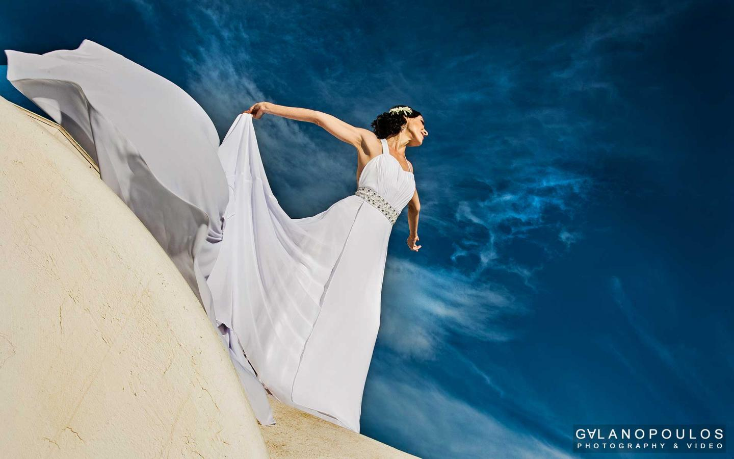 Santorini Weddings by Giorgos Galanopoulos Photography