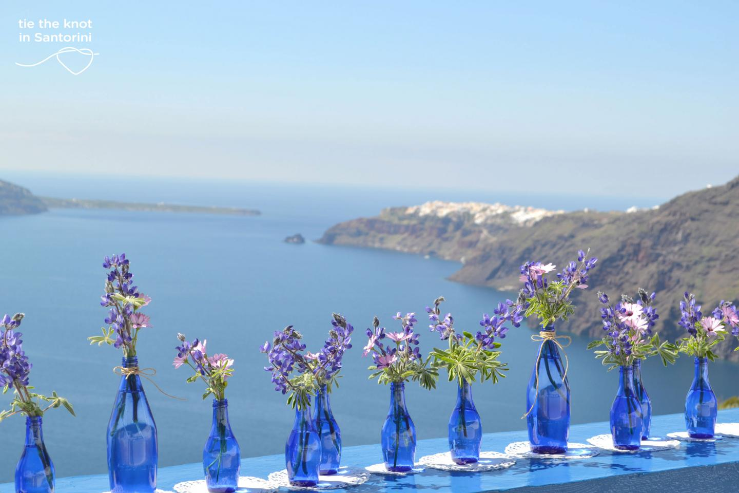 Diy Santorini Wedding Decor In Blue Purple Tie The Knot In