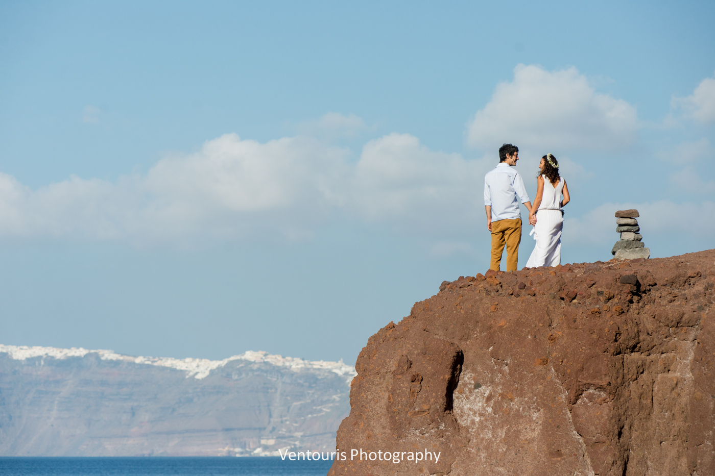Beach wedding in Santorini