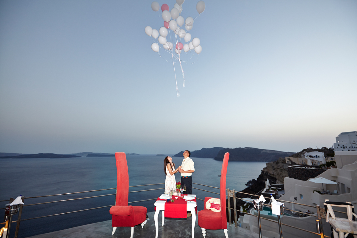 Santorini marriage proposal-Balloons