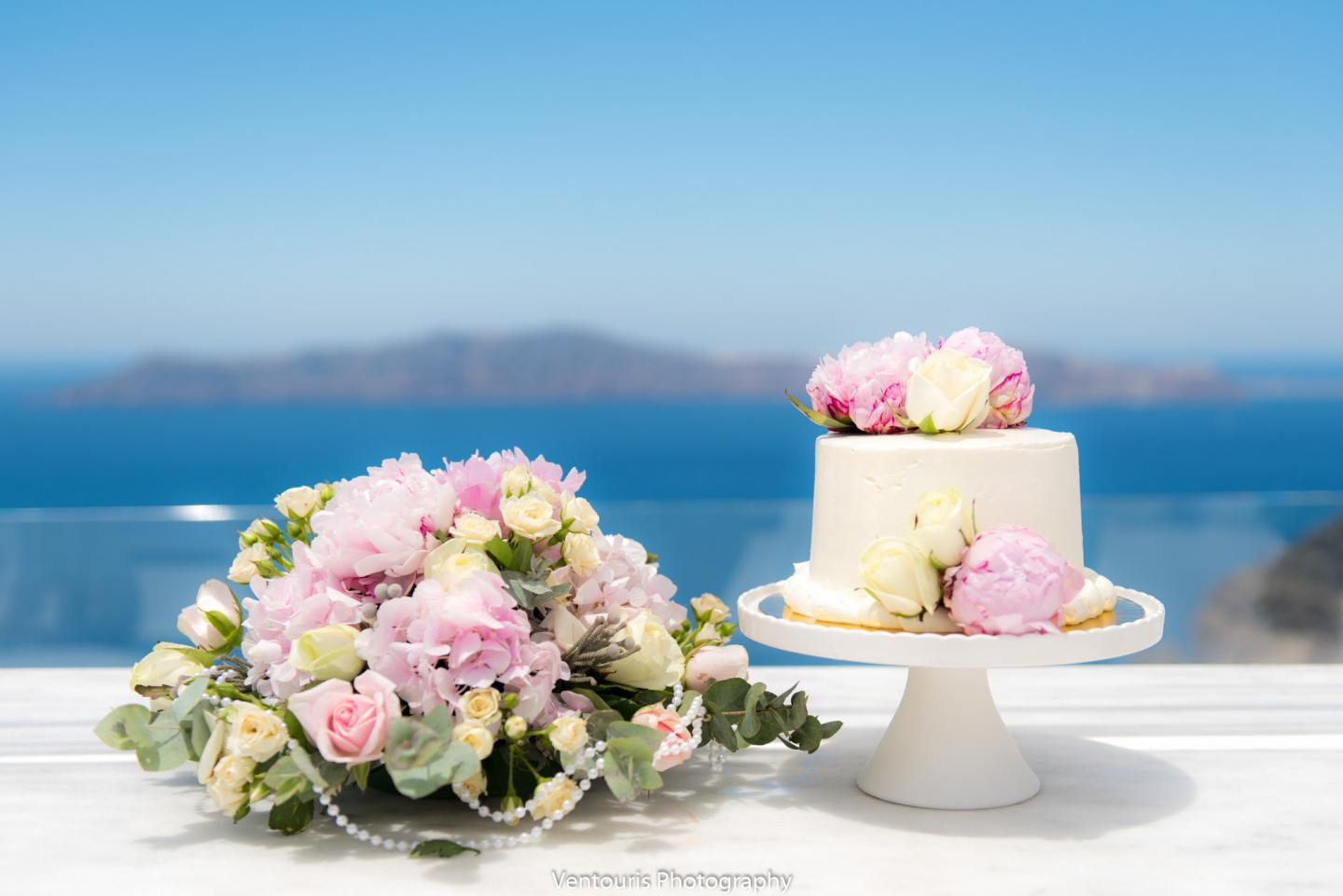 wedding cake-peonies