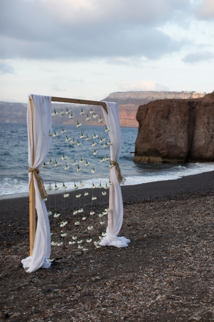 Santorini wedding- Wedding arch with carnations