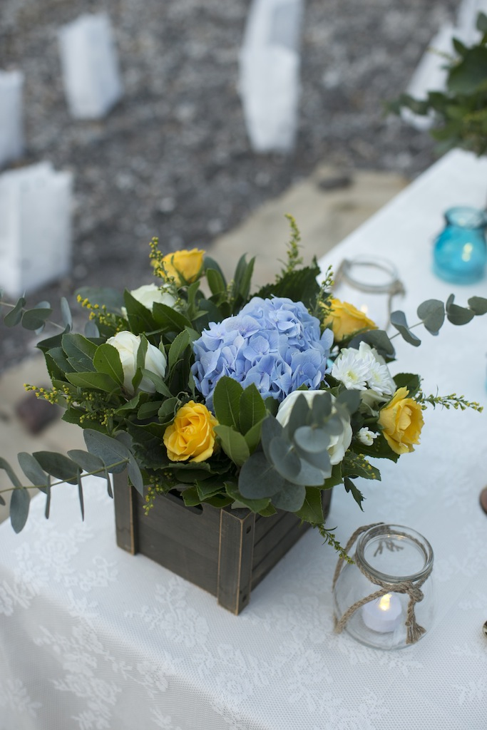 Bohemian beach wedding in Santorini-tablescape