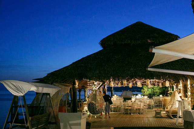 Beach wedding reception- Theros Wave bar