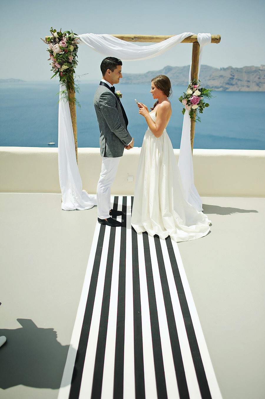 Elegant altar - Wedding in Greece