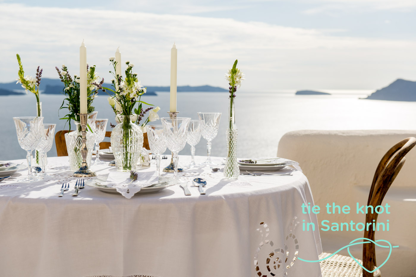 White Wedding decor | Santorini Wedding | Photography: http://www.gventouris.com/