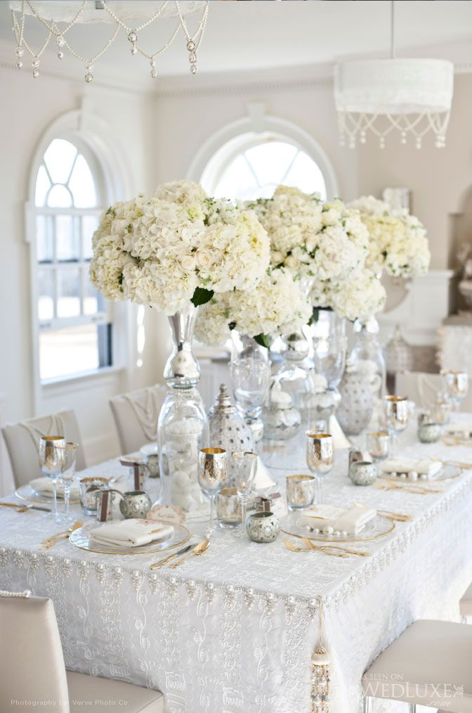 White Tall centerpiece | Santorini wedding inspiration