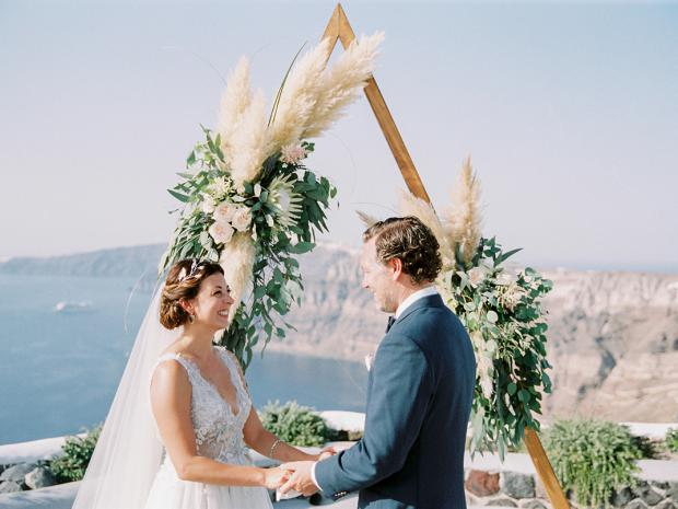 Bohemian-modern wedding in Greece