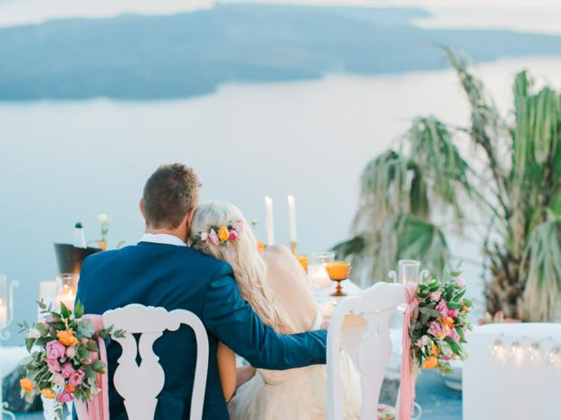 Romantic wedding in Santorini- Tie the knot in Santorini