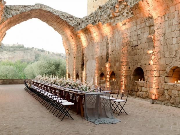 Modern wedding in Italy castle