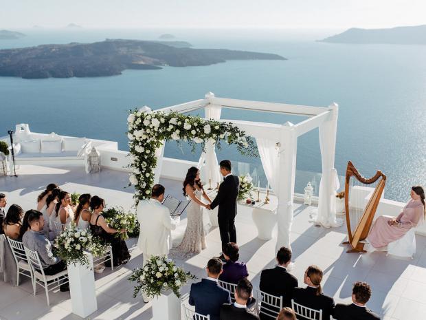 Elegant & classy wedding in Greece