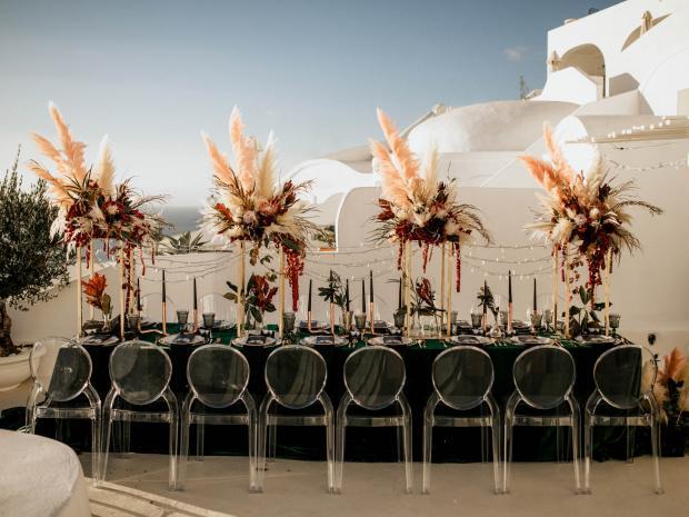 Modern & moody wedding in Greece