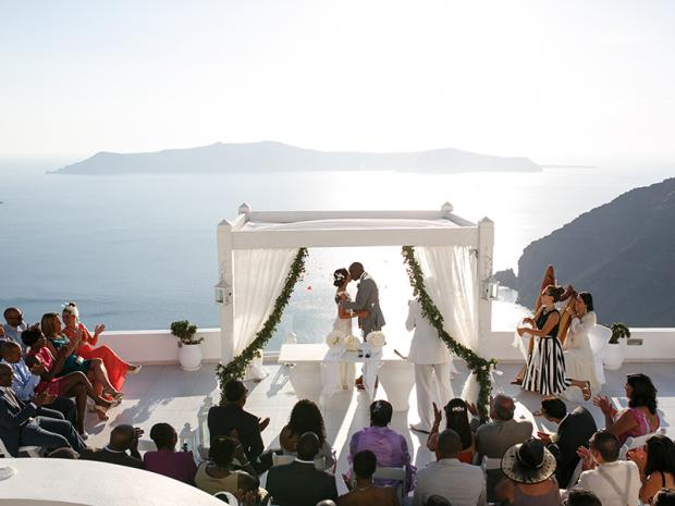 Elegant wedding in Santorini