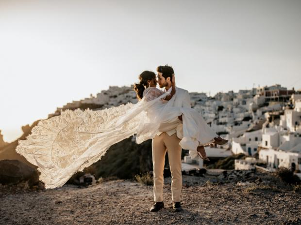 Modern & edgy wedding in Greece
