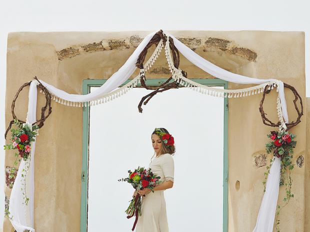 Boho wedding in Santorini-Tie the knot in Santorini