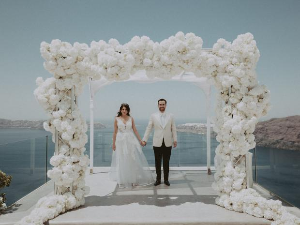 Dreamy wedding in Santorini followed by Italy cruise
