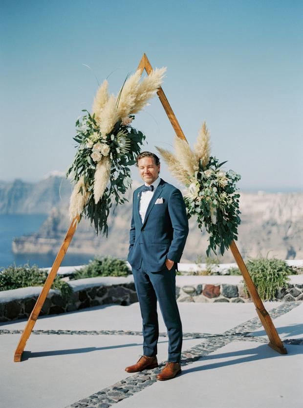 Triangle arch- modern wedding in Santorini