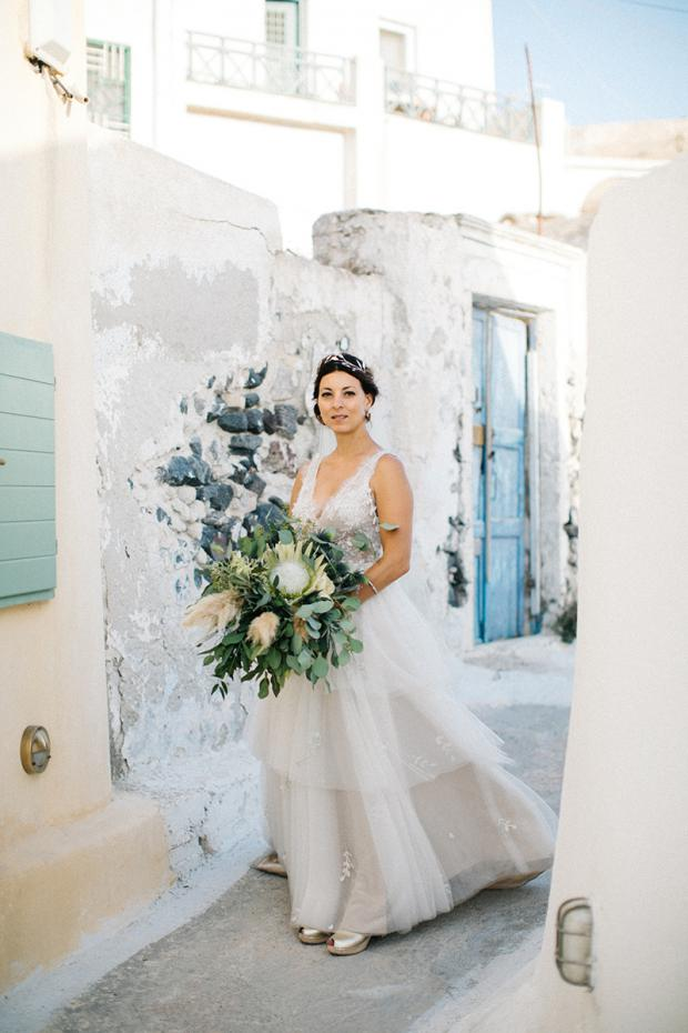 Modern & bohemian  wedding in Greece-king protea &  pampas grass bouquet