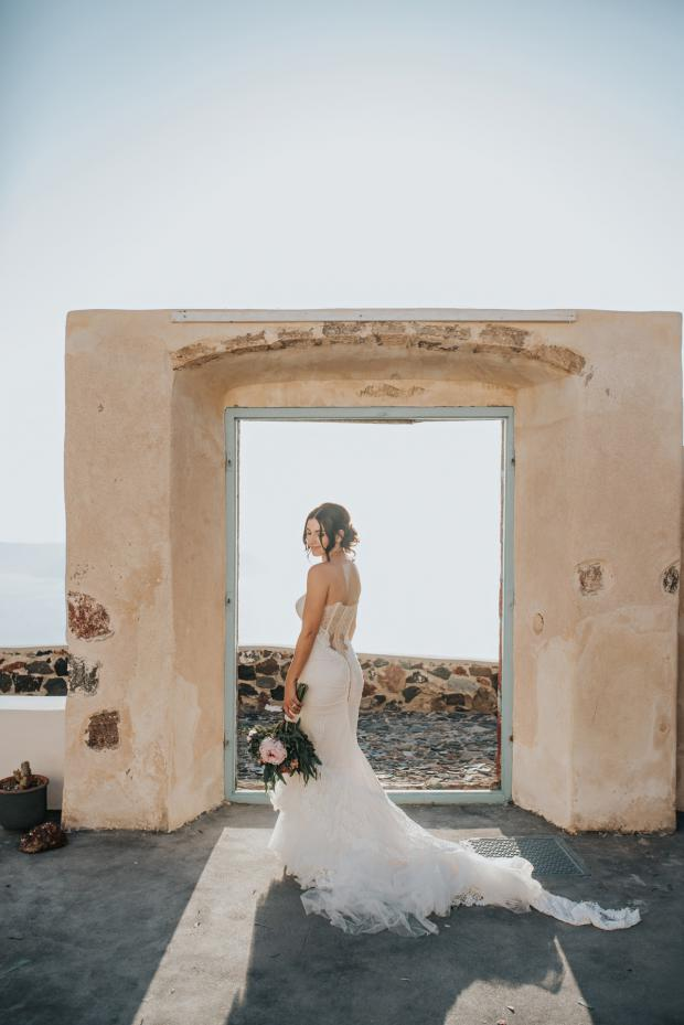 Santorini wedding-beautiful bride