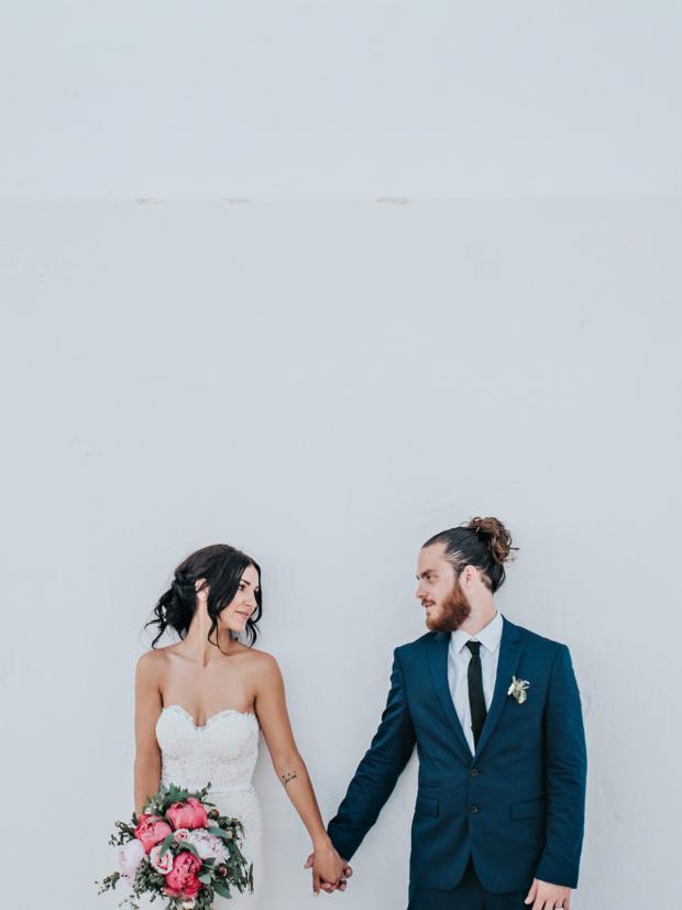 Wedding in Santorini_Tie the knot