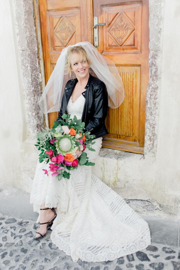 Modern & colourful wedding in Greece