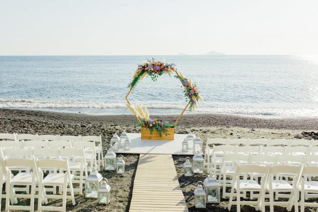 Modern wedding in Greece- hexagonal arch
