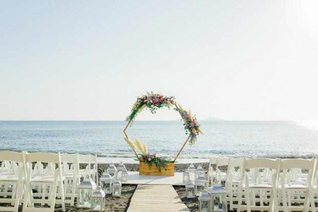 Modern wedding in Greece- hexagonal arch