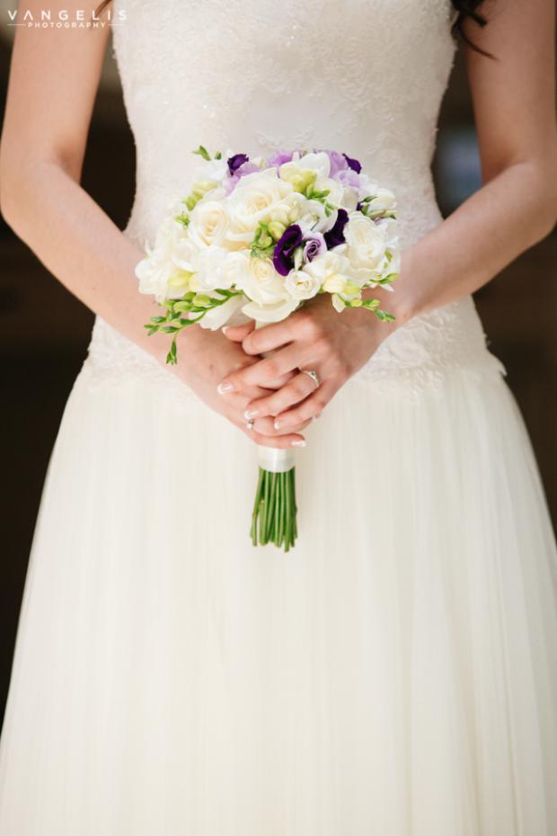 Santorini wedding- bridal bouquet