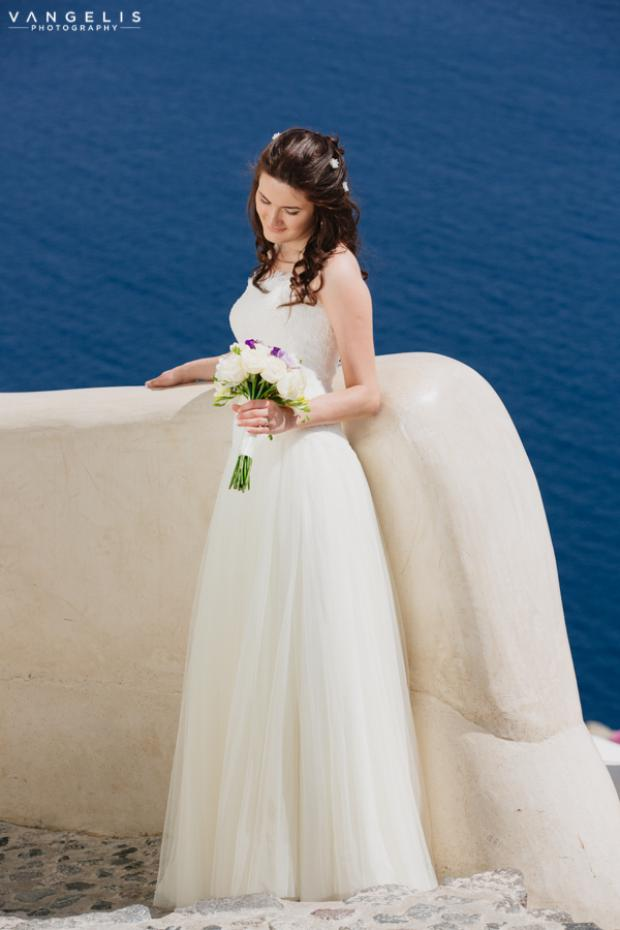 Wedding in Santorini-Bride