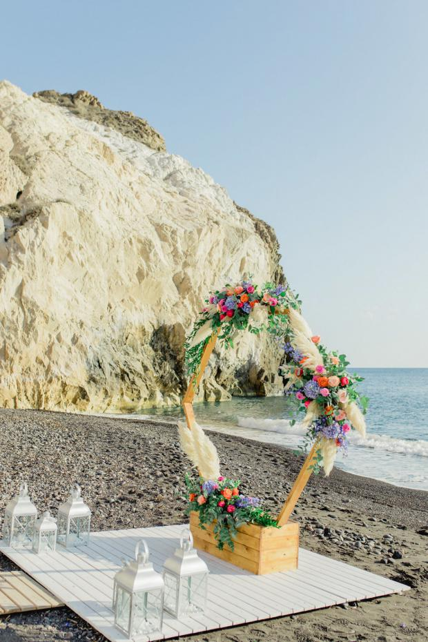 Beach wedding - Colourful hexagonal arch