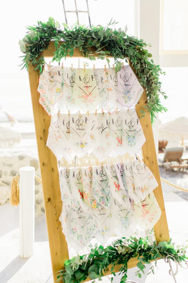 Wedding handckerchief stand