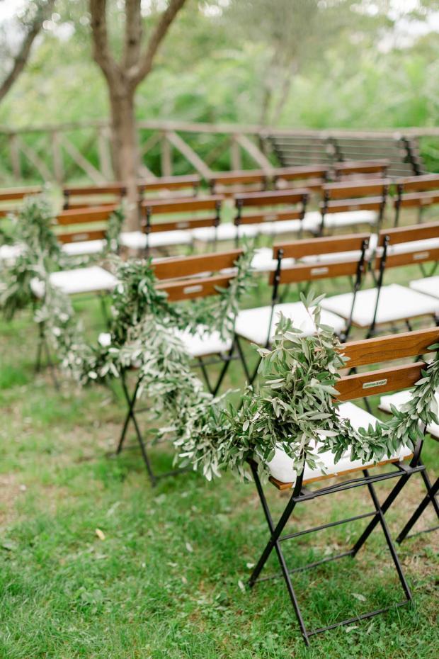 olive wedding aisle
