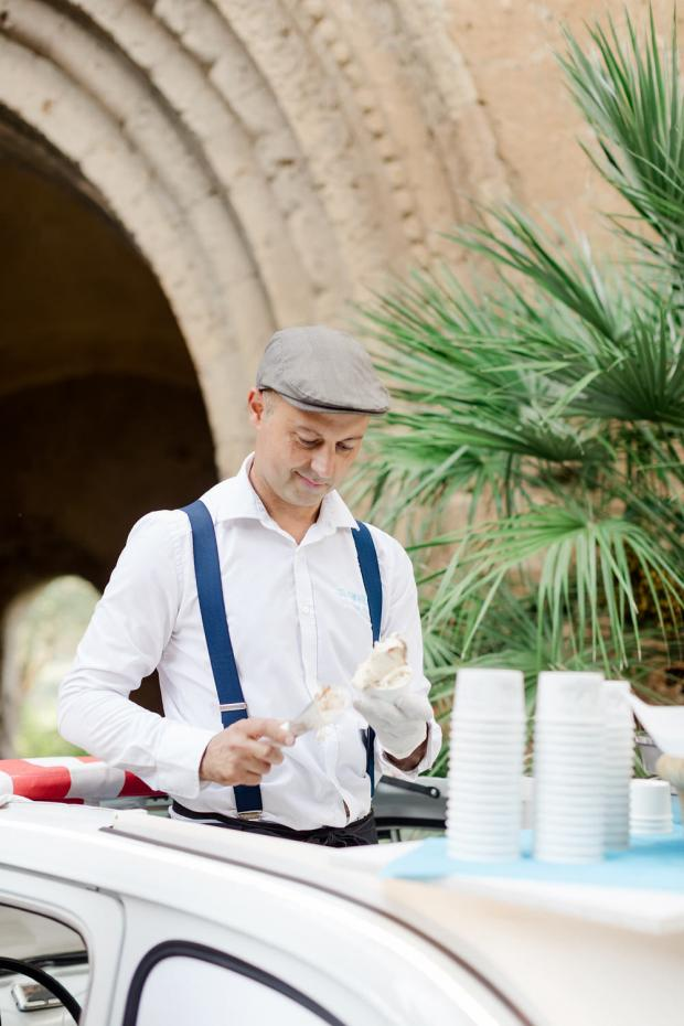 fiat 500 ice cream cart - Italy wedding