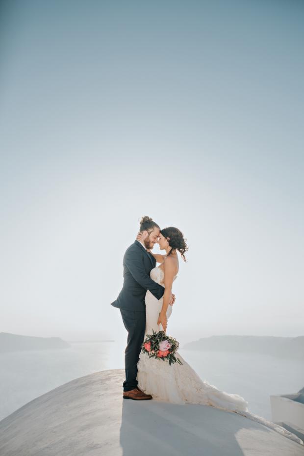Santorini wedding- Tie the knot