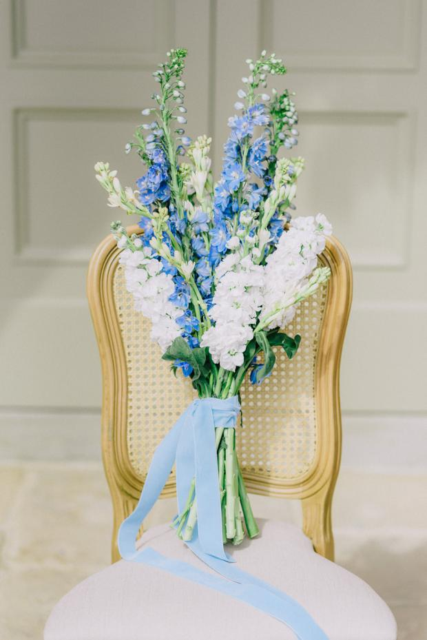 Blue and white wedding bouquet- Italy wedding