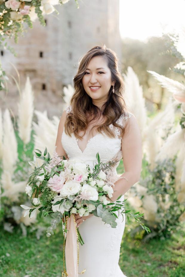 Romantic white and blush bouquet
