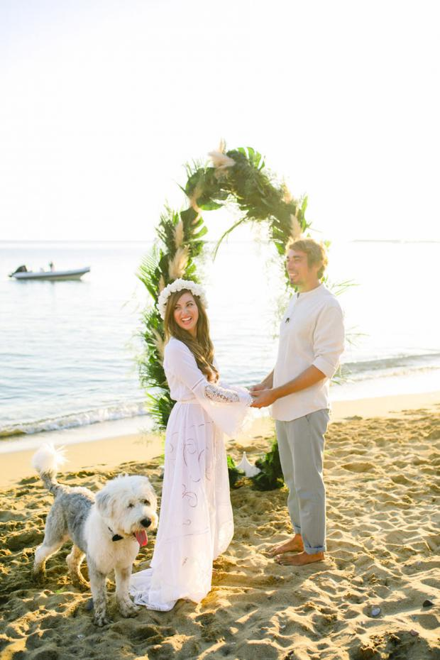 Surf and botanical wedding in Greece - Tie the Knot