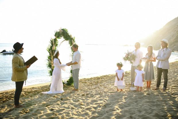 Surf wedding in Greece- Tie the knot in Santorini