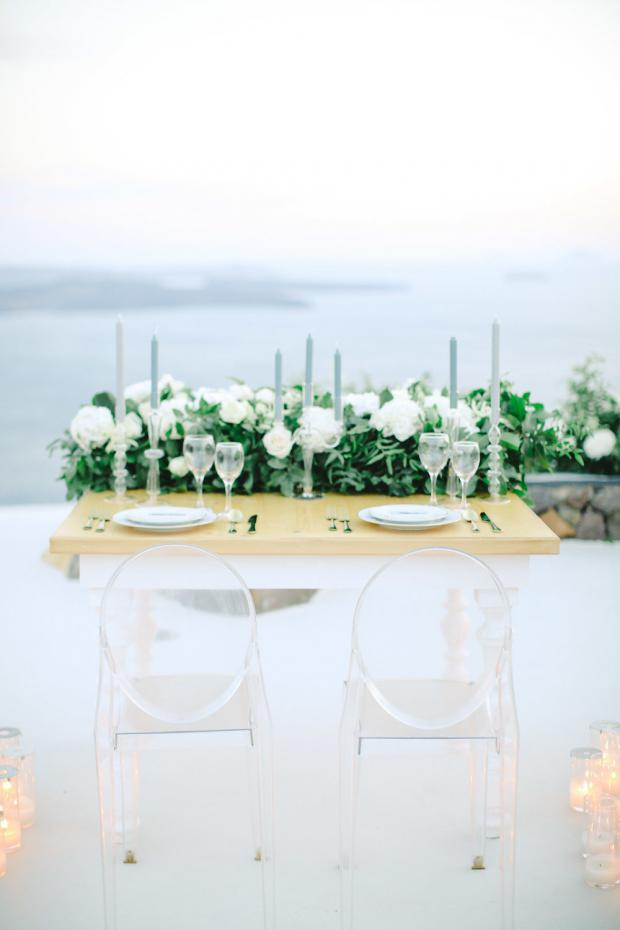 Romantic dinner - Santorini elopement