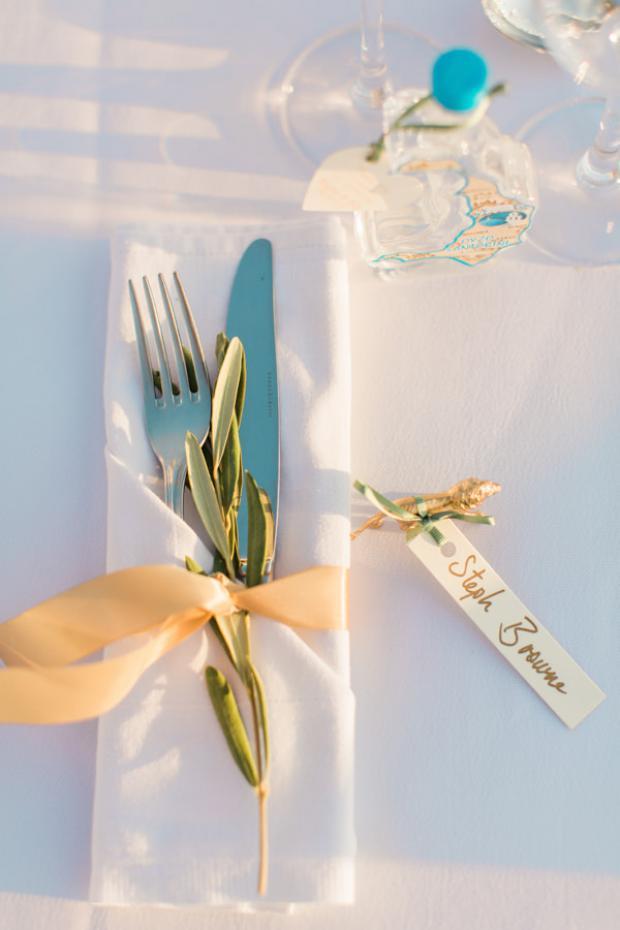 Tablescape details -napkin