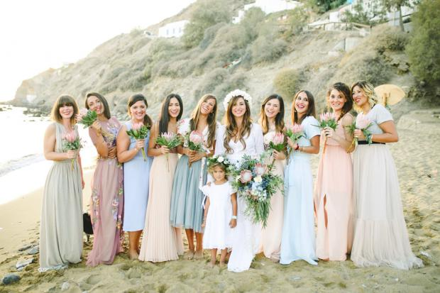 Bridesmaids in mismatched dresses - Tie the knot Greece