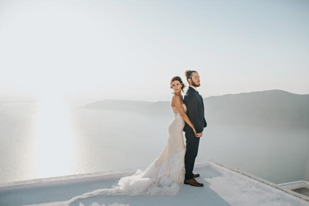 Santorini wedding- Tie the knot