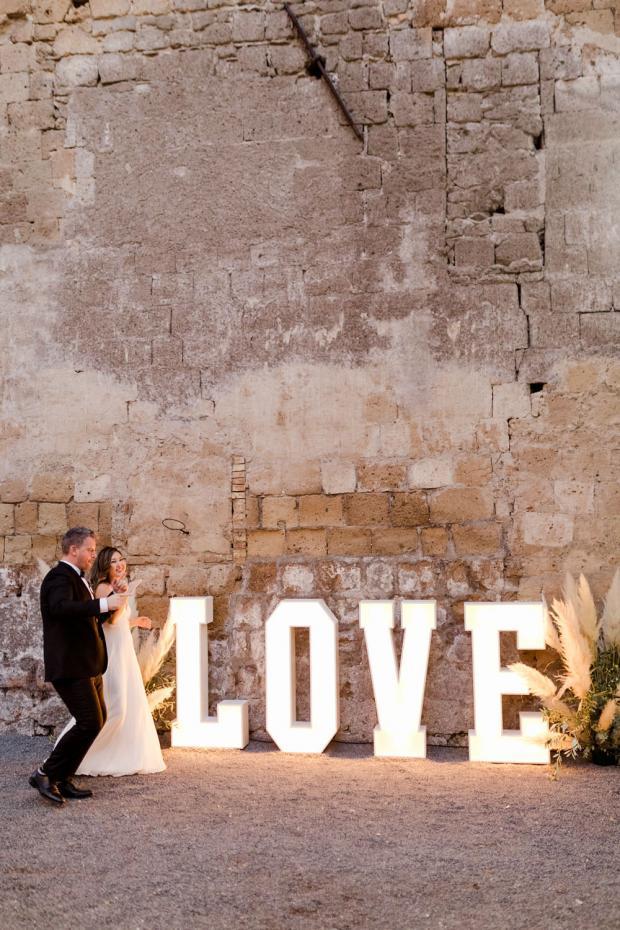 Modern Love sign