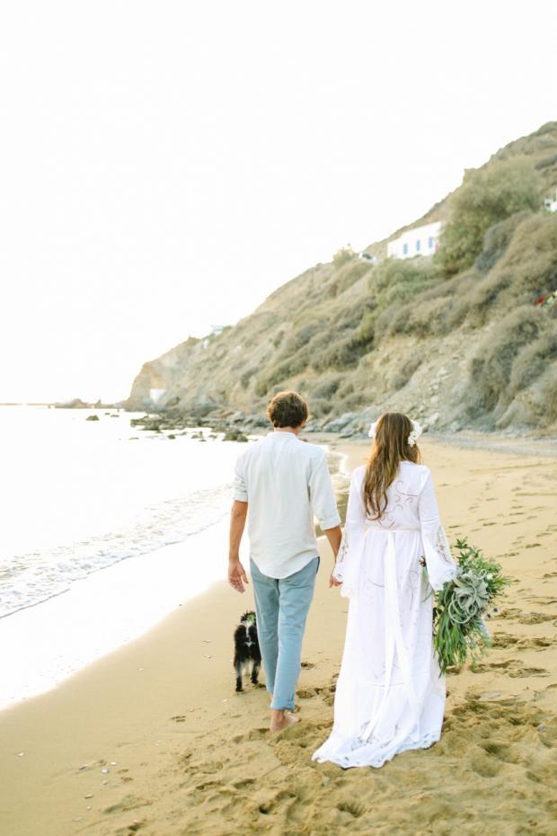 Destination beach wedding - Tie the knot