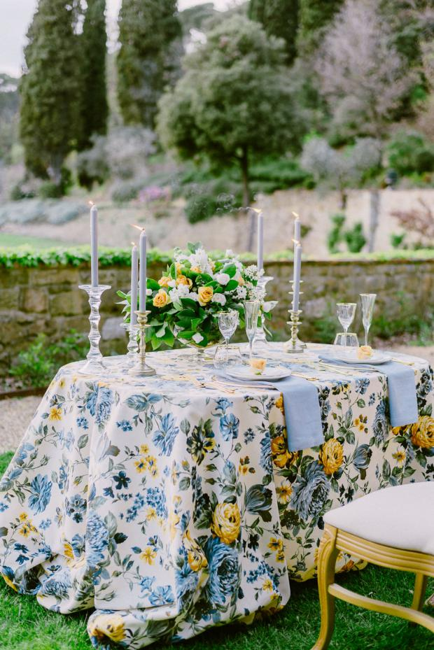 Al  fresco dining in Italy- Tuscany wedding