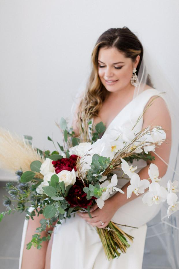 Bridal bouquet- burgundy & pampas