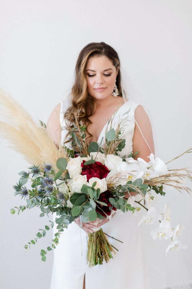Bridal bouquet- burgundy & pampas