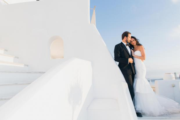 Elegant wedding in Santorini