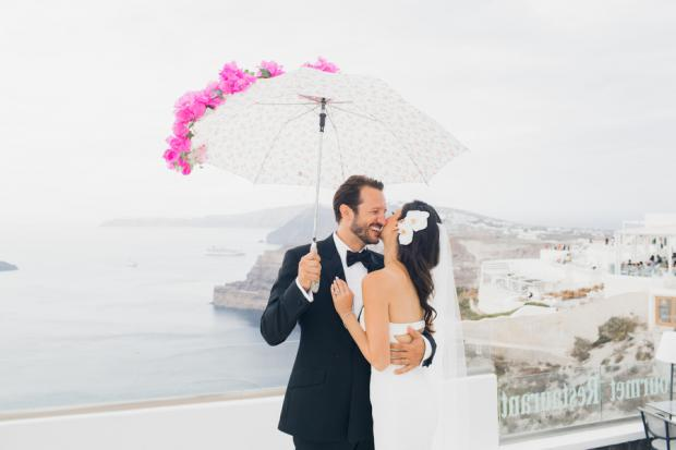 Bougainvillea wedding in Santorini